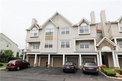 Edison Condo/Townhouse For Sale: 41 Inverness Drive