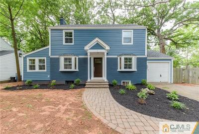 Metuchen Single Family Home For Sale: 1 Grant Court