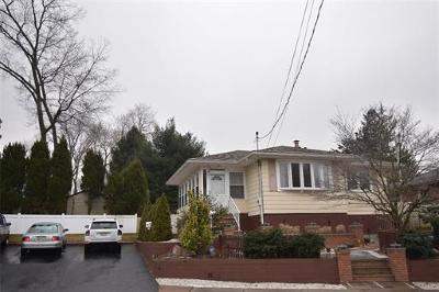 Sayreville Single Family Home For Sale: 65 Deerfield Road