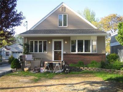Iselin Single Family Home For Sale: 81 Coakley Street