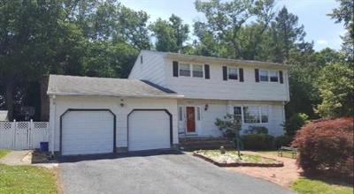 Old Bridge Single Family Home For Sale: 22 Avon Way