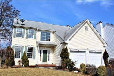 Edison Single Family Home For Sale: 16 Rolling Brook Drive