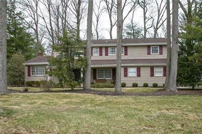 Edison Single Family Home For Sale: 77 Livingston Avenue