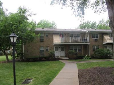 East Brunswick Condo/Townhouse For Sale