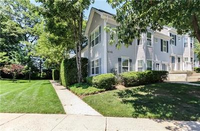 East Brunswick Condo/Townhouse For Sale: 1608 Cypress Lane