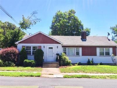 Edison Single Family Home For Sale: 72 Carlton Street