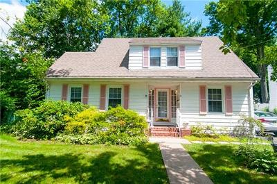 Metuchen Single Family Home For Sale: 3 Mayfield Place