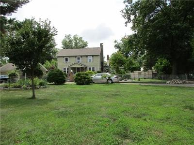 Piscataway Single Family Home For Sale: 98 N Randolphville Road