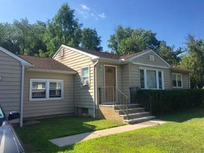 Somerset County Single Family Home For Sale: 136 Hollywood Avenue