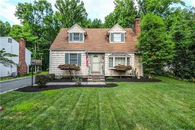Edison Single Family Home For Sale: 46 Revere Boulevard