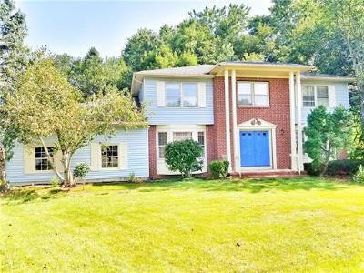 East Brunswick Single Family Home For Sale: 27 Van Hise Court