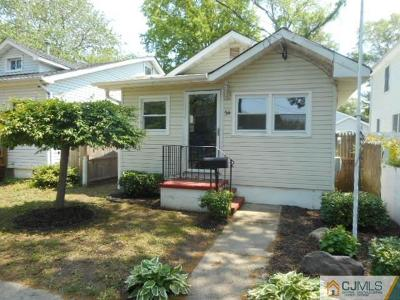 Monmouth County Single Family Home For Sale: 34 Shoreland Terrace