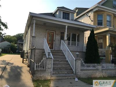 Perth Amboy Single Family Home For Sale: 859 Hickory Street