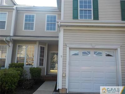 Sayreville Condo/Townhouse For Sale: 9 Woods Edge Court #105