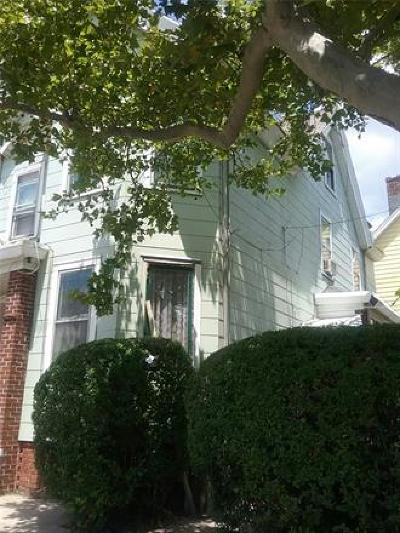 Perth Amboy Single Family Home For Sale: 64 Fayette Street
