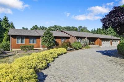 East Brunswick Single Family Home For Sale: 12 Lennecke Lane