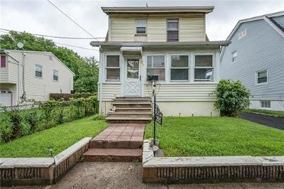 Piscataway Single Family Home For Sale: 205 Oak Place