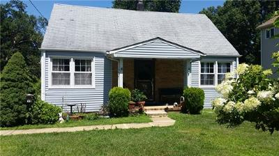North Edison Single Family Home For Sale: 17 Jean Place