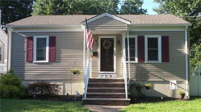 South Plainfield Single Family Home For Sale: 700 Tompkins Avenue