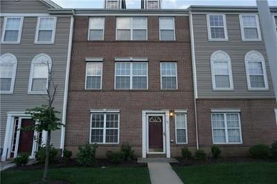 Sayreville Condo/Townhouse For Sale: 93 Woodlake Drive #1155