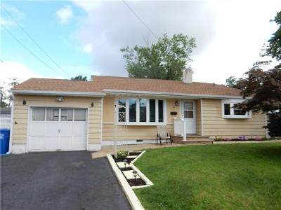 Colonia Single Family Home For Sale: 89 Claridge Place