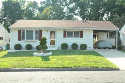 Sayreville Single Family Home For Sale: 153 Kendall Drive