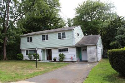 Old Bridge Single Family Home For Sale: 33 Farmbrook Drive