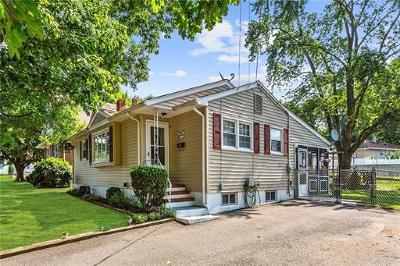 Sayreville Single Family Home For Sale: 4 Burlington Road
