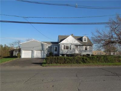 South Plainfield Single Family Home For Sale: 300 Hollywood Avenue
