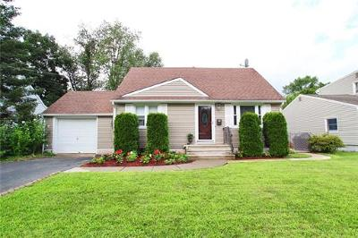 South Plainfield Single Family Home For Sale: 1822 S Central Avenue