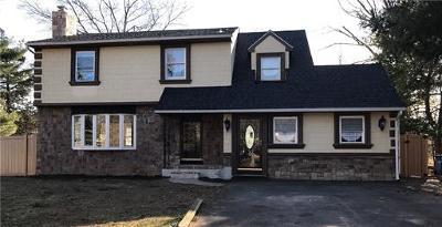 North Brunswick Single Family Home For Sale: 4 Birch Court