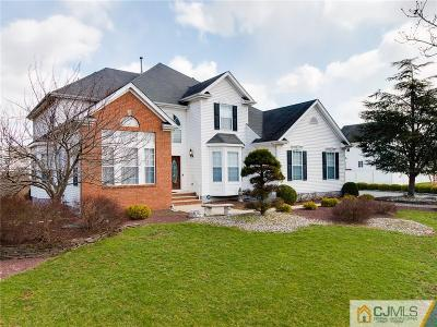 Piscataway Single Family Home For Sale: 1 Crestwood Street