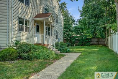 Piscataway Condo/Townhouse For Sale: 354 Keswick Drive