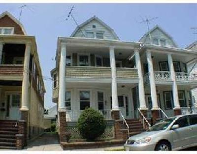 Perth Amboy Multi Family Home For Sale: 491 Groom Street