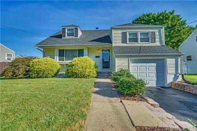 Hamilton Single Family Home For Sale: 4 Shackamaxon Drive