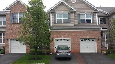 Sayreville Condo/Townhouse For Sale: 30 Wlodarczyk Place