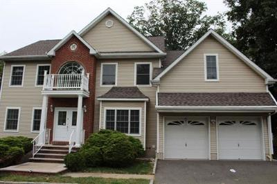 East Brunswick Single Family Home For Sale: 2 Lucha Court
