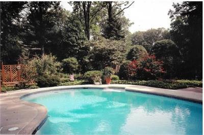Edison Single Family Home For Sale: 41 W Calvert Avenue