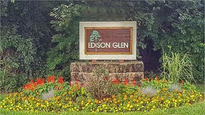 Edison Condo/Townhouse For Sale: 210 Edison Glen Terrace #210