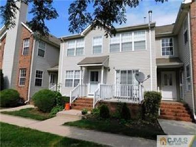Piscataway Condo/Townhouse For Sale: 334 Bowler Court #334