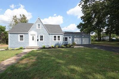 Old Bridge Single Family Home For Sale: 14 Madison Avenue