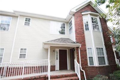 Piscataway Condo/Townhouse For Sale: 329 Moonlight Drive