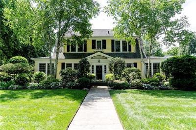 Metuchen Single Family Home For Sale: 64 Elm Avenue