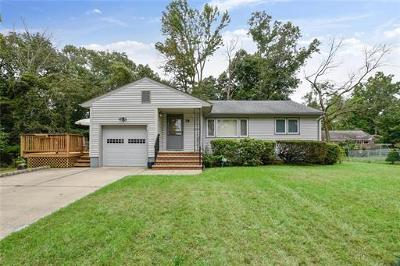 Piscataway Single Family Home For Sale: 79 Woodland Road