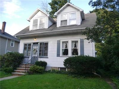 Metuchen Single Family Home For Sale: 60 Pleasant Place