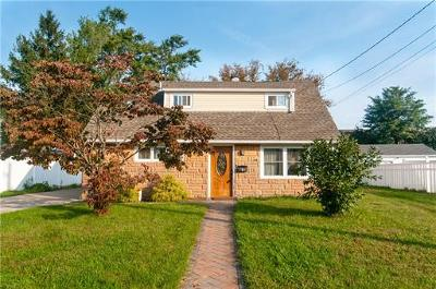 Sayreville Single Family Home For Sale: 7 Nimitz Place