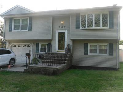 Woodbridge Proper Single Family Home For Sale: 707 Chalet Drive