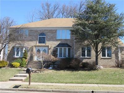 Edison Single Family Home For Sale: 23 Vallata Place