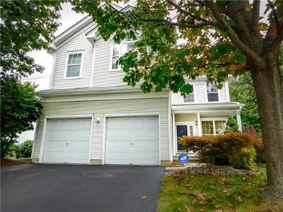 East Brunswick Single Family Home For Sale: 53 Park Knoll Drive