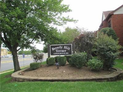 Woodbridge Proper Condo/Townhouse For Sale: 121f Beverly Hills Terrace #2106
